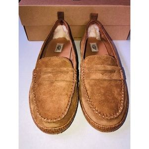 UGG Charlie Loafer Size 10 Women's New in Box